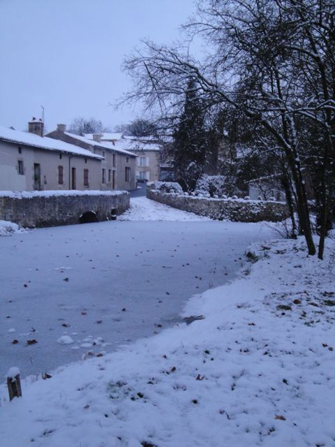 village%20under%20snow.jpg